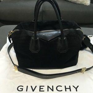 Black Givenchy Antigona Bag (Medium)